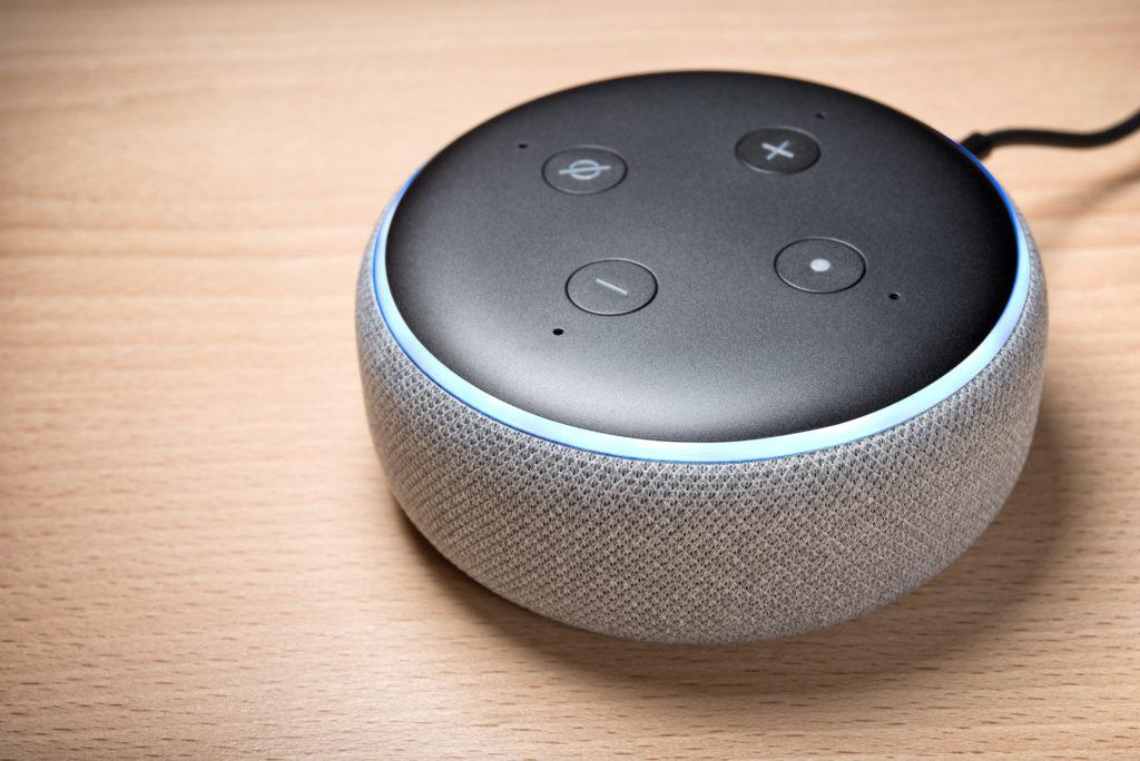 Alexa und Co. – Smarte Helfer oder Störer am Arbeitsplatz?