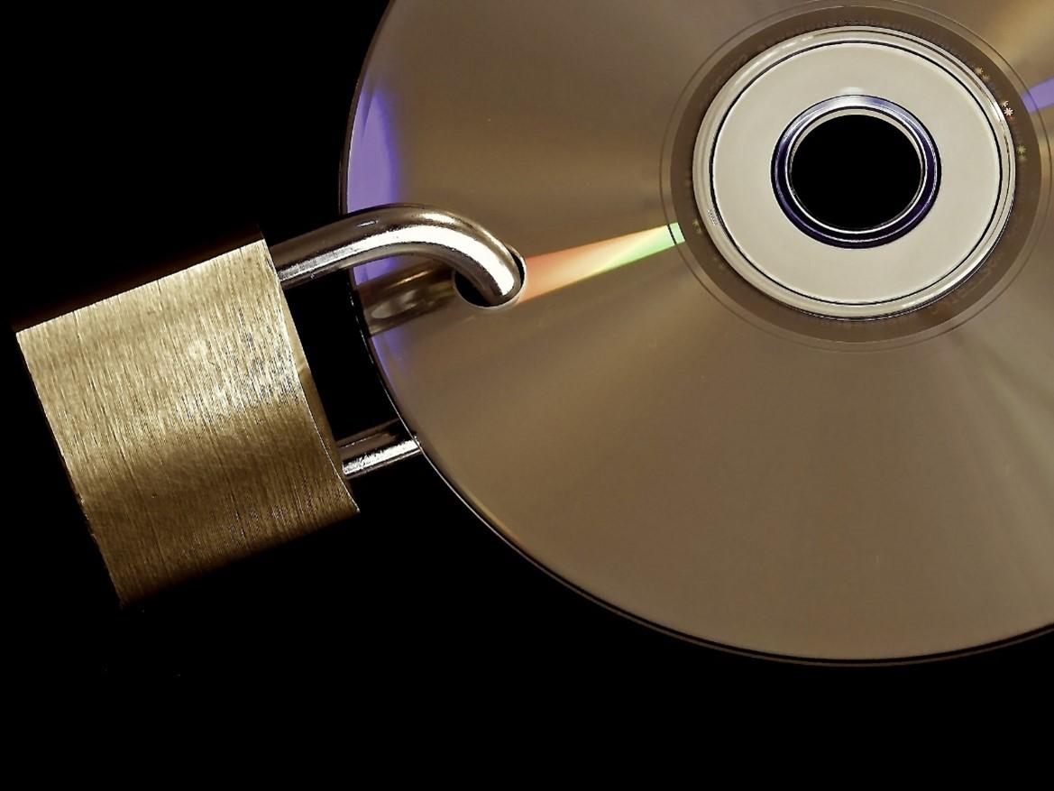 Cd mit Schloss, Datenschutz für Unternehmen